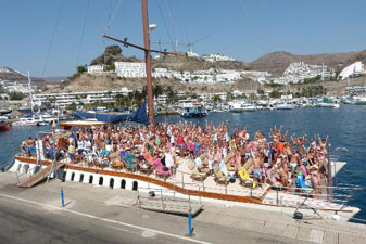 Catamaran Boat Party